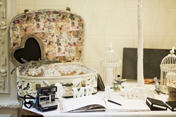 wedding-photographer-cheshire-frances-and-mark-ettington-park-_028